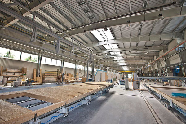 Wnętrze hali produkcyjnej Danwood